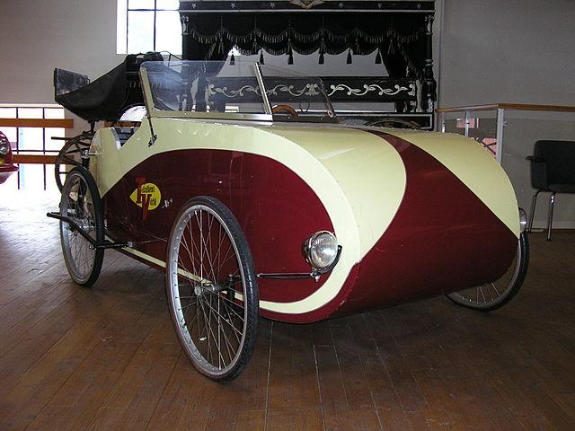 foto of Fantom two seater velocar velomobile with rear suspension after Fantom blueprints